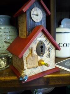 a  schoolhouse birdhouse!